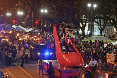 Thursday night parades to roll at 7 p.m. due to thunderstorms