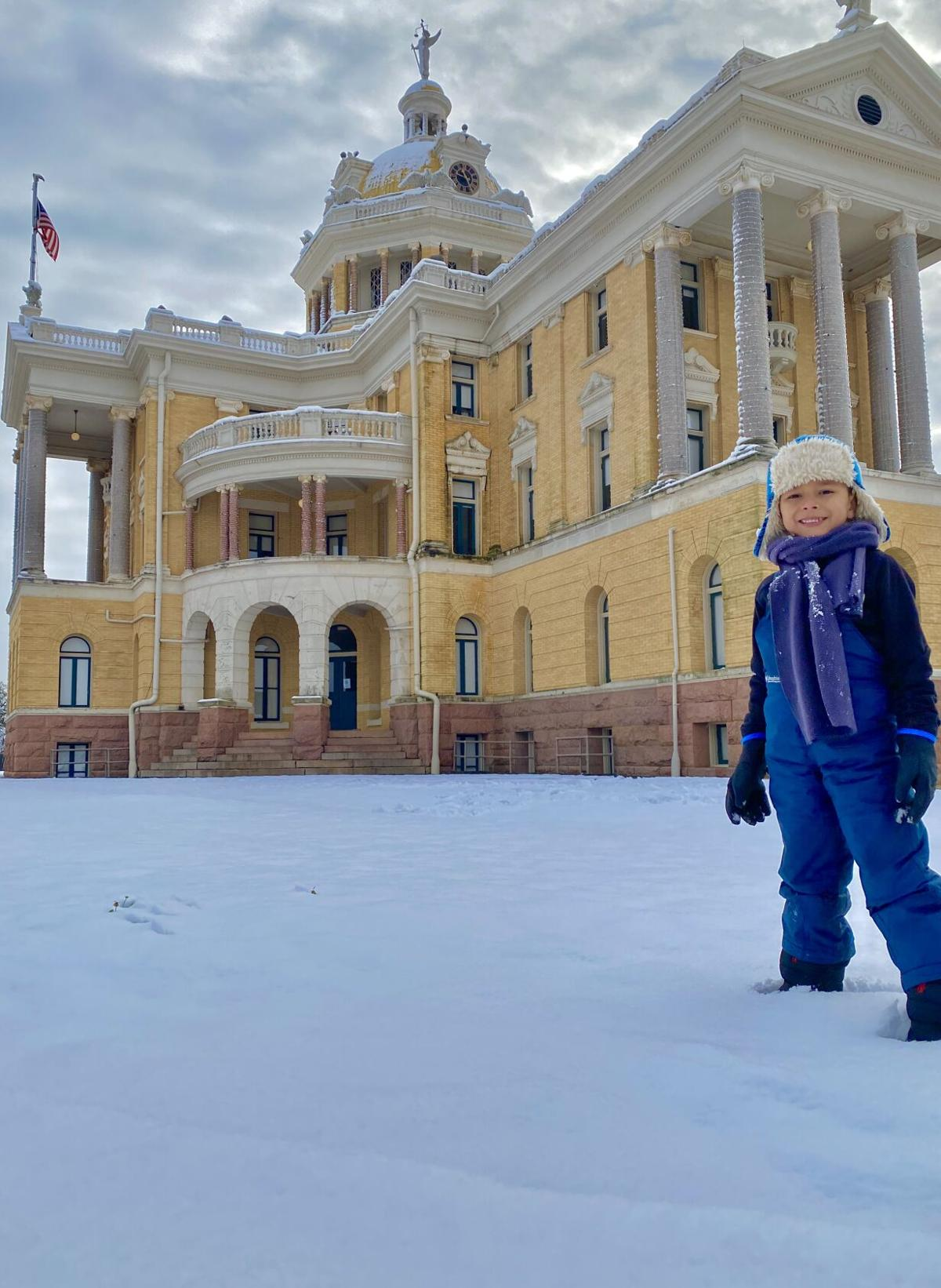 snowy courthouse2