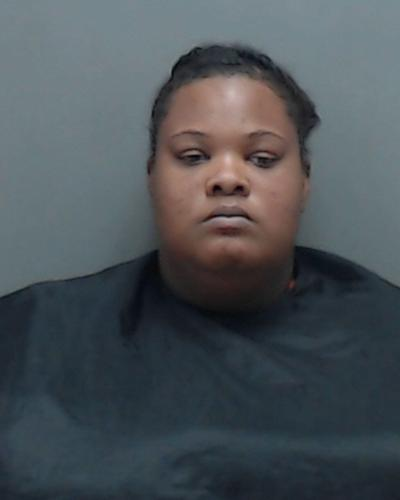 Marshall woman stabbed boyfriend during argument, police say