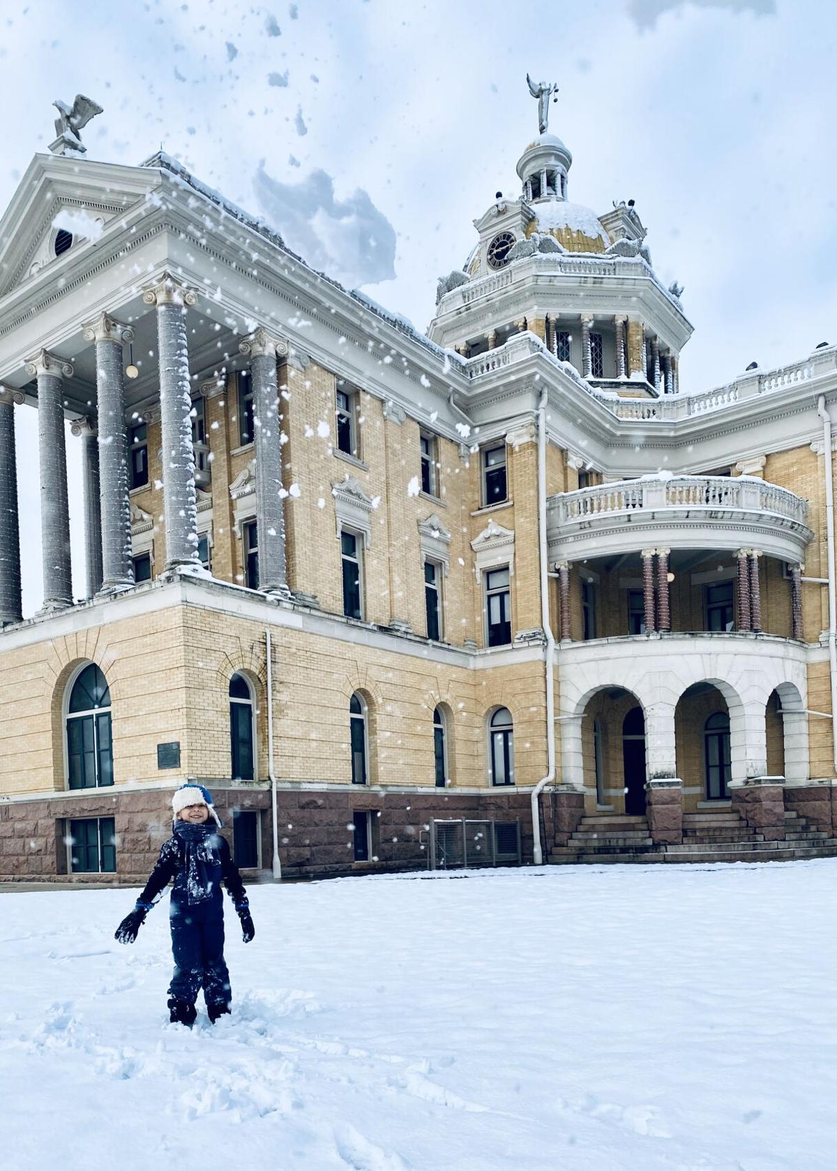 snowy courthouse1