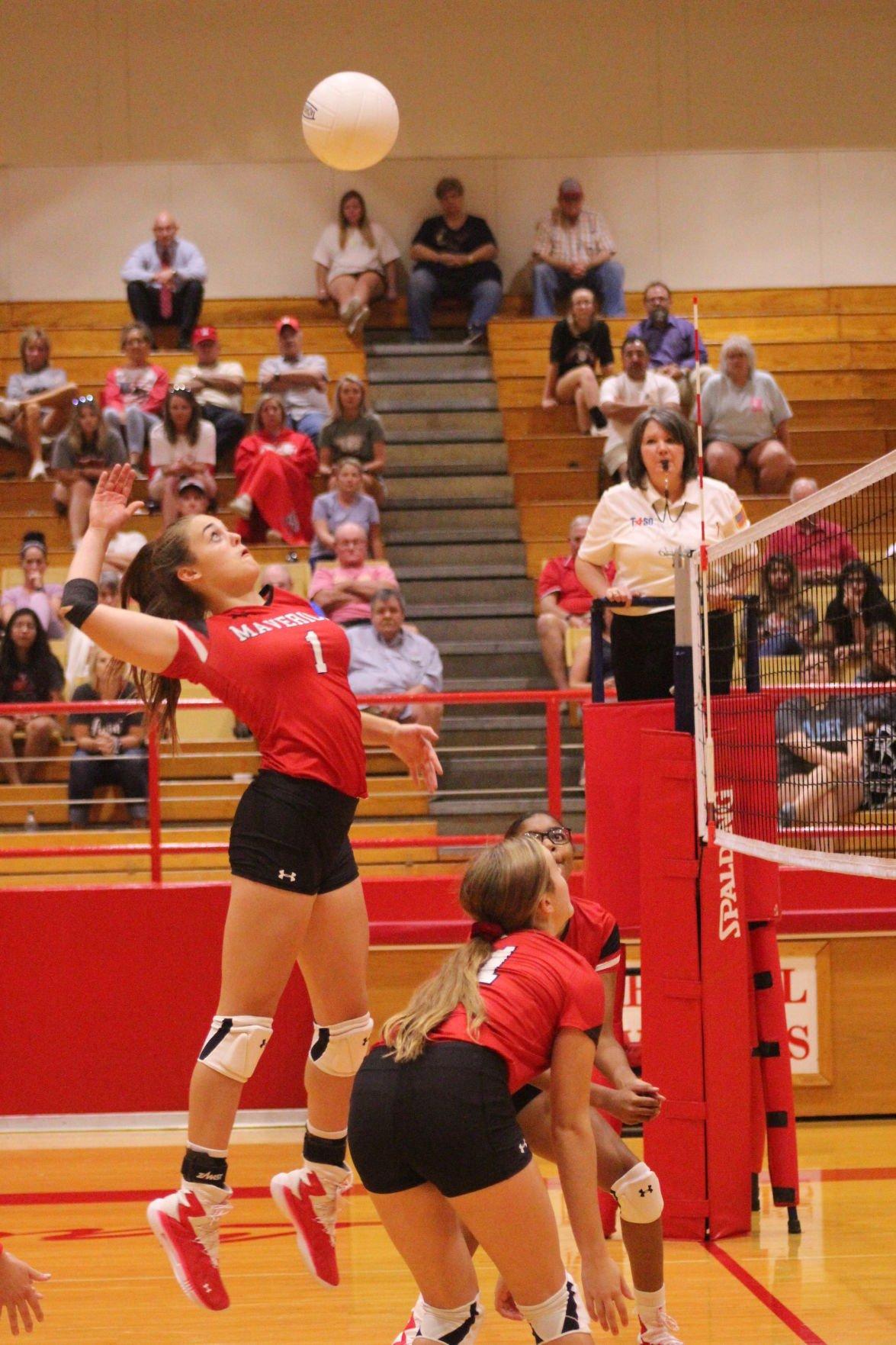 Marshall volleyball photo 1