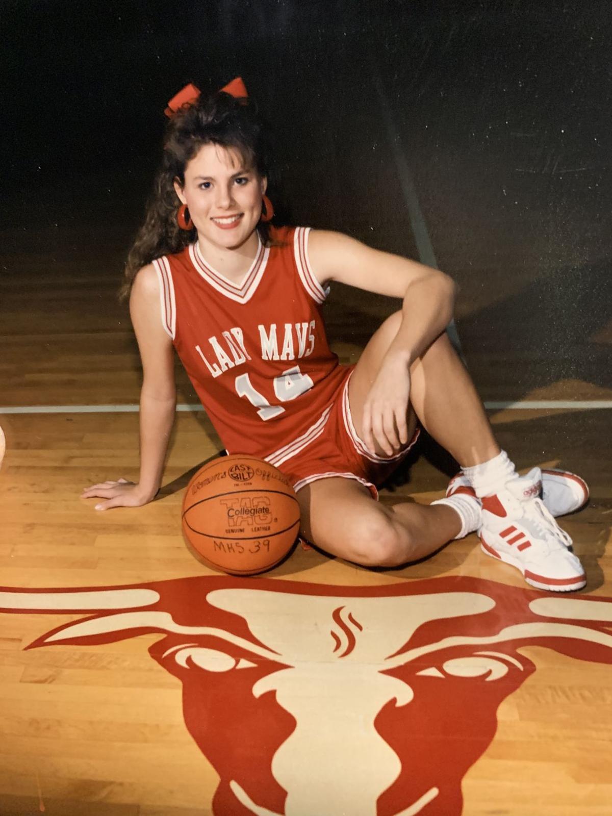 Sarah Simmons basketball