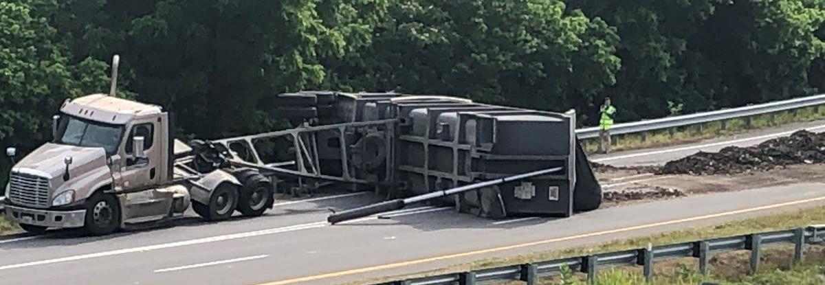 Truck closes ramp