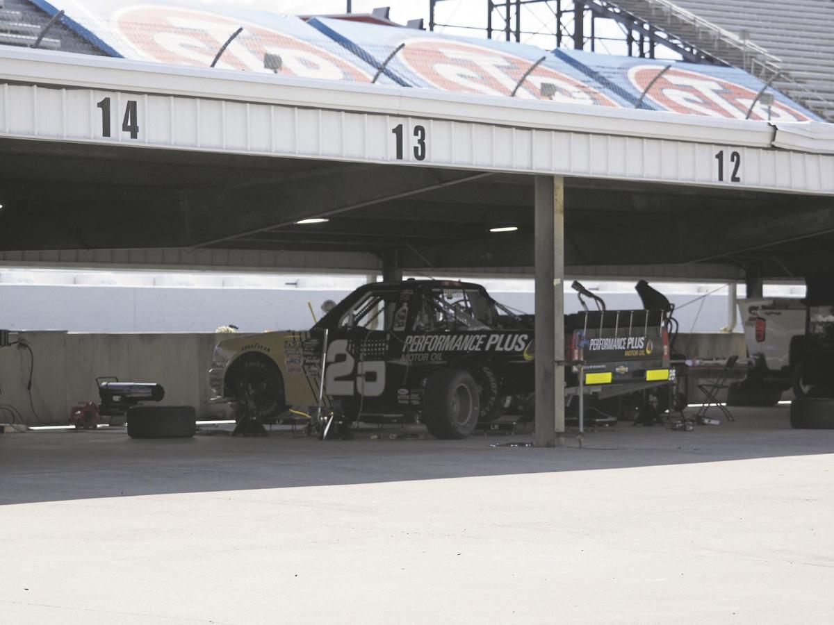 Rookies going from late models to trucks sports for Sarge automobiles garage serus