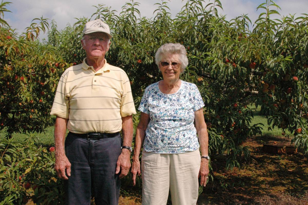 Peaches with Vernon and Shirley Hinshaw