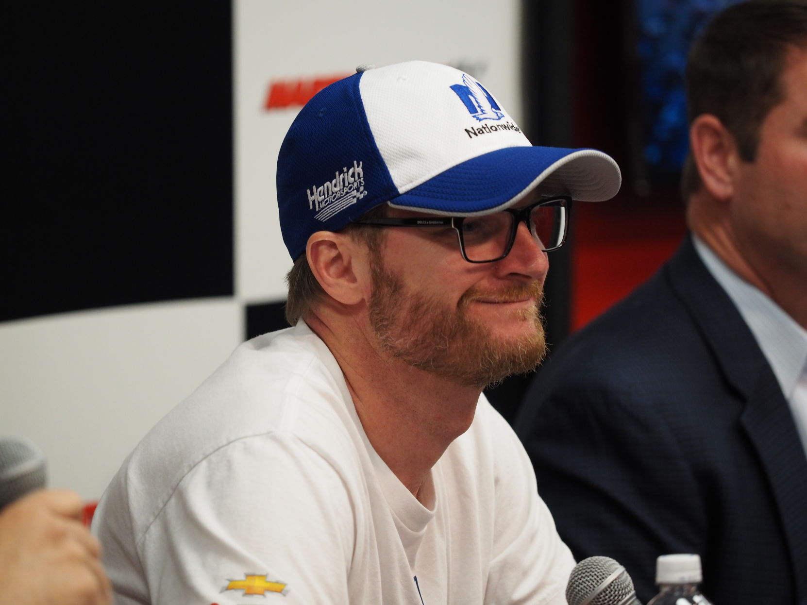 Dale Jr. doesn't want apology from Kevin Harvick