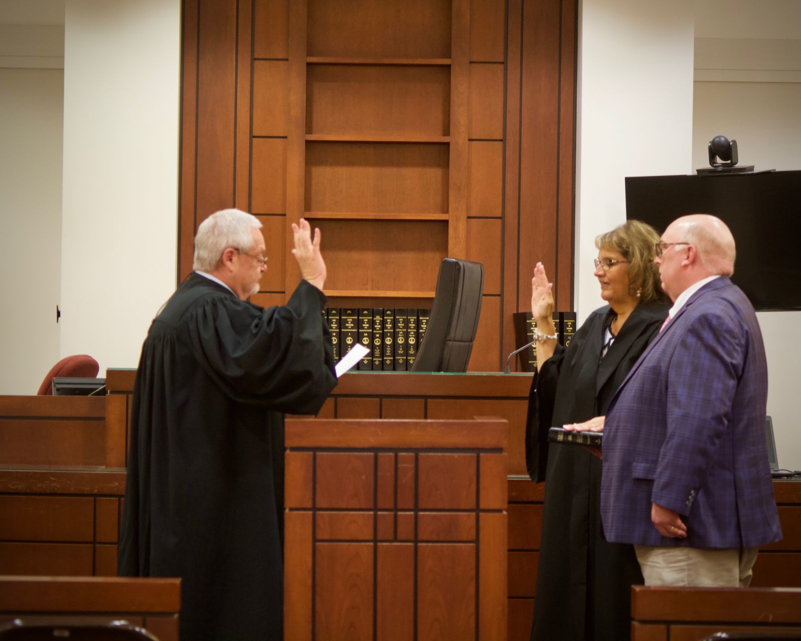 Chief Circuit Court Judge David V. Williams swears in Kimberly R. Belongia
