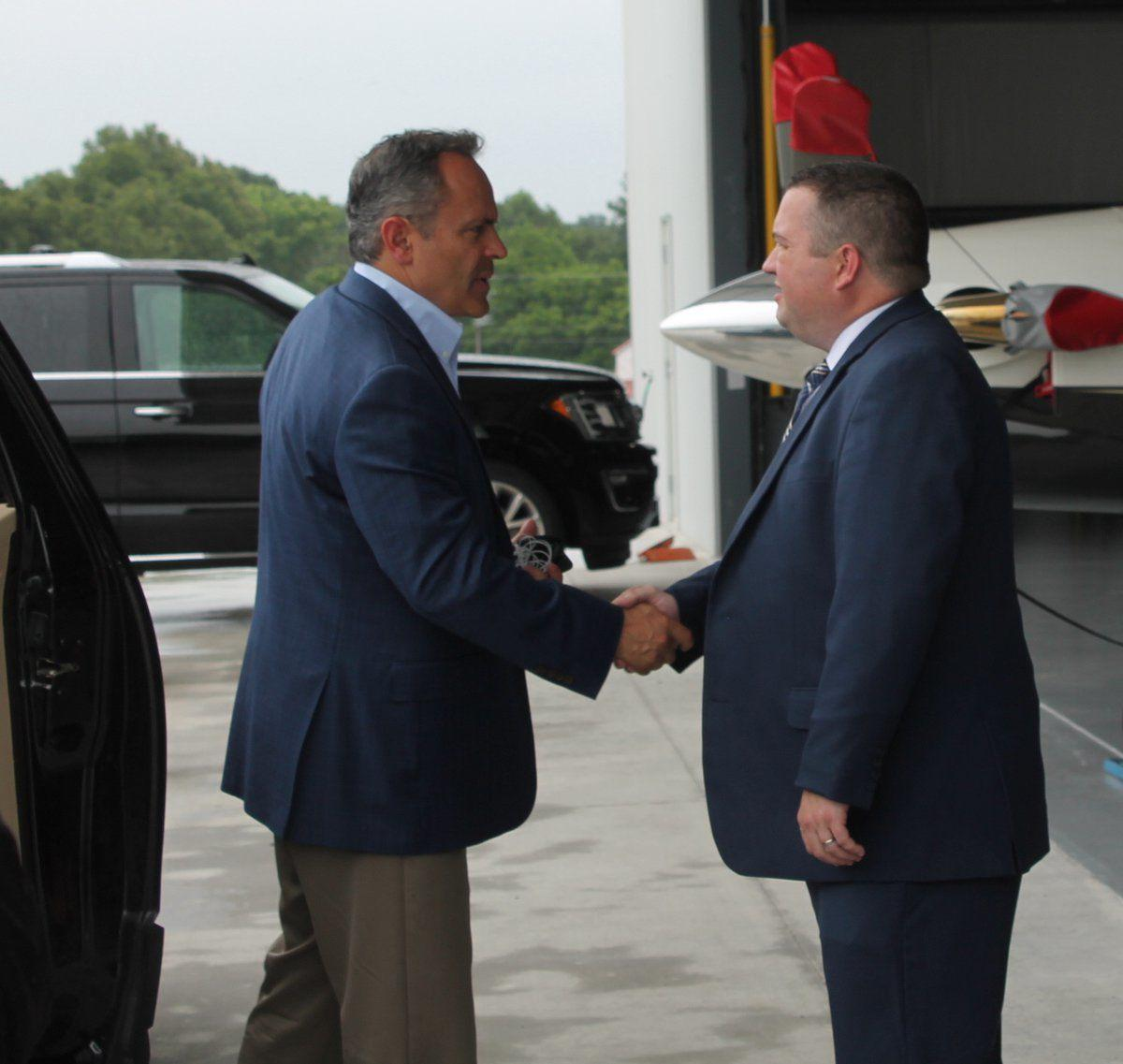 Bevin talks to business owners in Mayfield visit