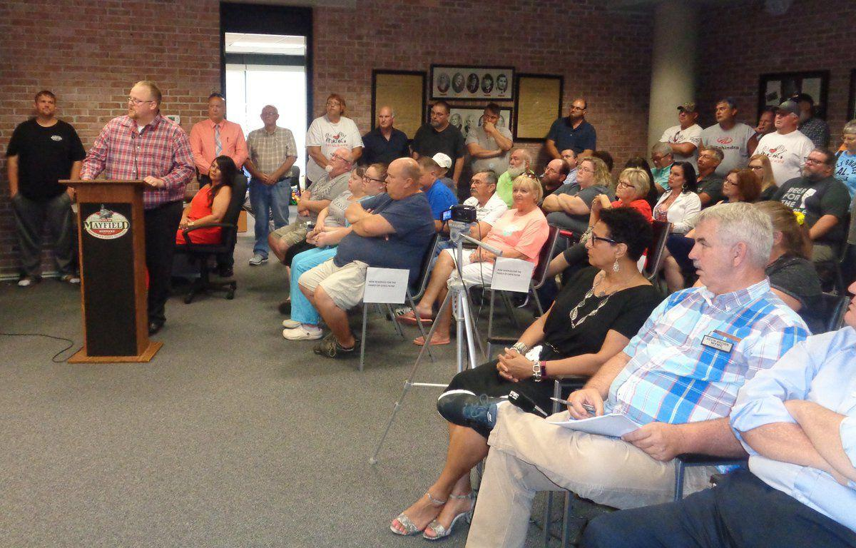 Council approves alcohol ordinance on first reading