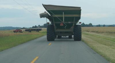 Farmers urge motorists to share the road - photo