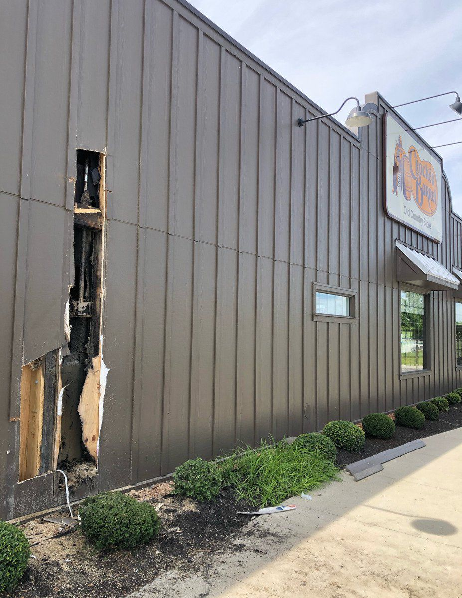 Electrical fire causes minor restaurant damage