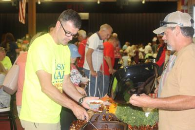Warm weather doesn't dampen chili fundraiser