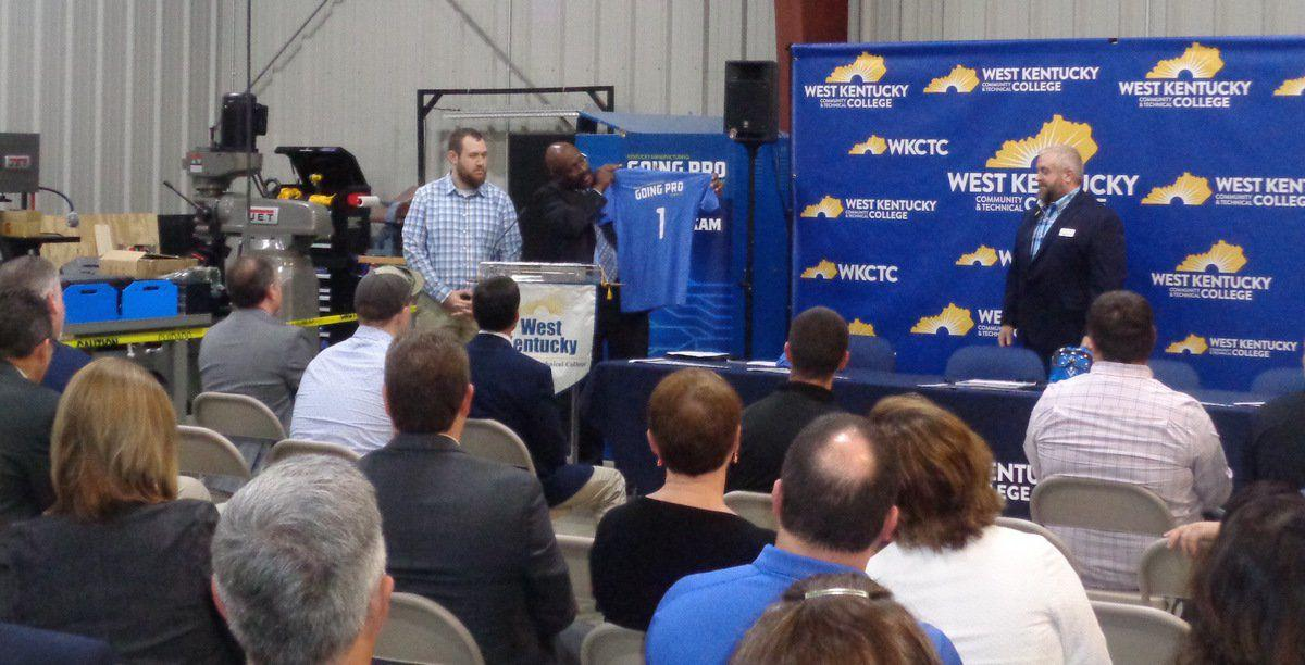 Signing day focuses on manufacturing students