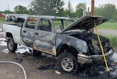 Graves deputies, Wingo FD assist in pickup fire - photo