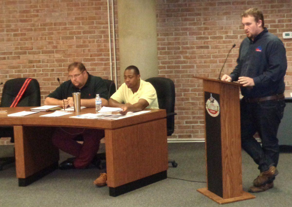 City council OKs budget, takes resumes