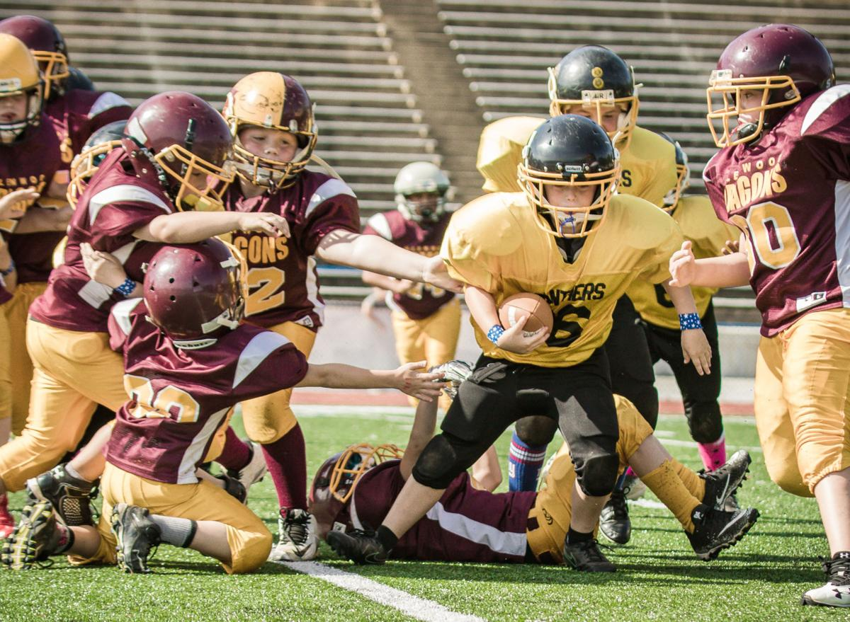 25 sports-youth sports photo page1.jpg