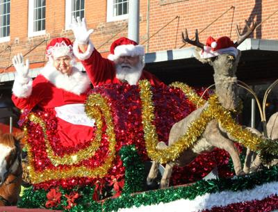 Marion's Christmas parade set for Sunday; downtown businesses to offer cash drawings