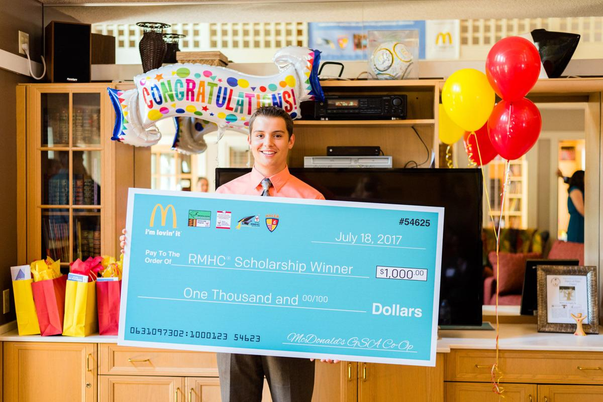 Marion student receives $1,000 scholarship