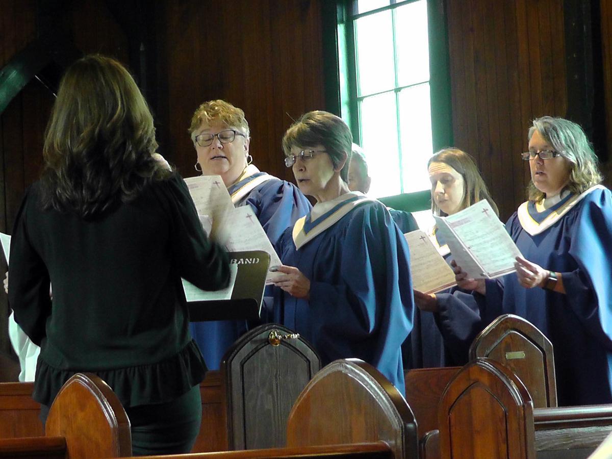 GALLERY: St. John's Episcopal holds Good Friday service
