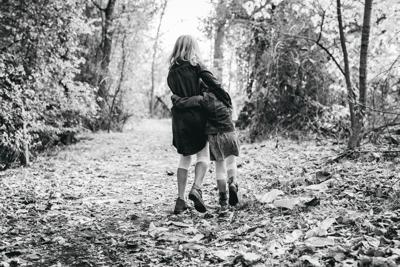 black-and-white-childhood-children-460032.jpg