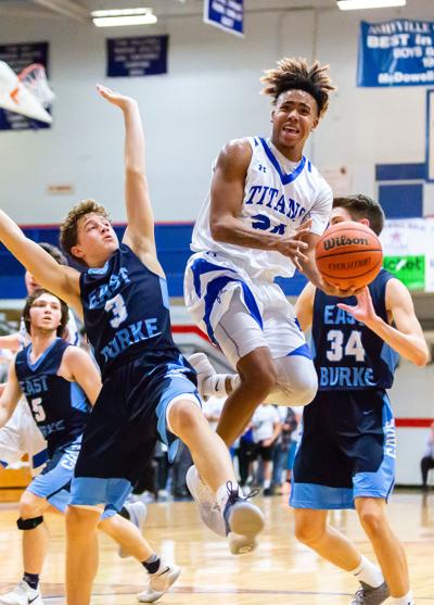 Titans lock down Cavaliers in 73-47 victory