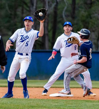 Bats stay hot as Titans pound Pioneers