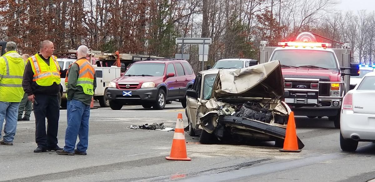 IMAGE: 3 injured in Marion collision