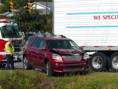 IMAGE: Car vs tractor trailer at 221/70 West intersection