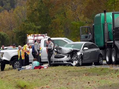 Falling furniture causes 5-car pileup on interstate