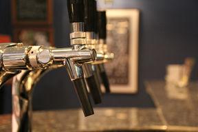 24 beer-203855_1920.jpg