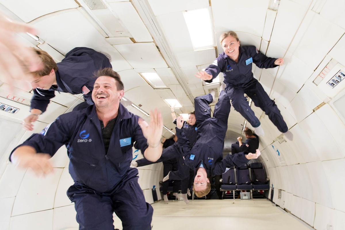 space-tourism-4e17eb08-d470-11e7-95bf-df7c19270879.jpg