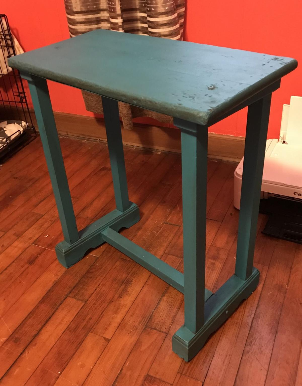 Transforming a throwaway table with chalk paint