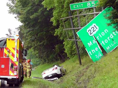 UPDATE: 1 injured in I-40 rollover accident near Marion