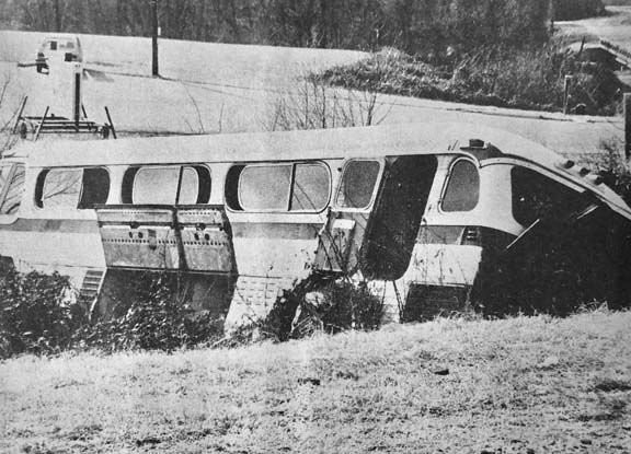 11 Archives-bus accident.JPG