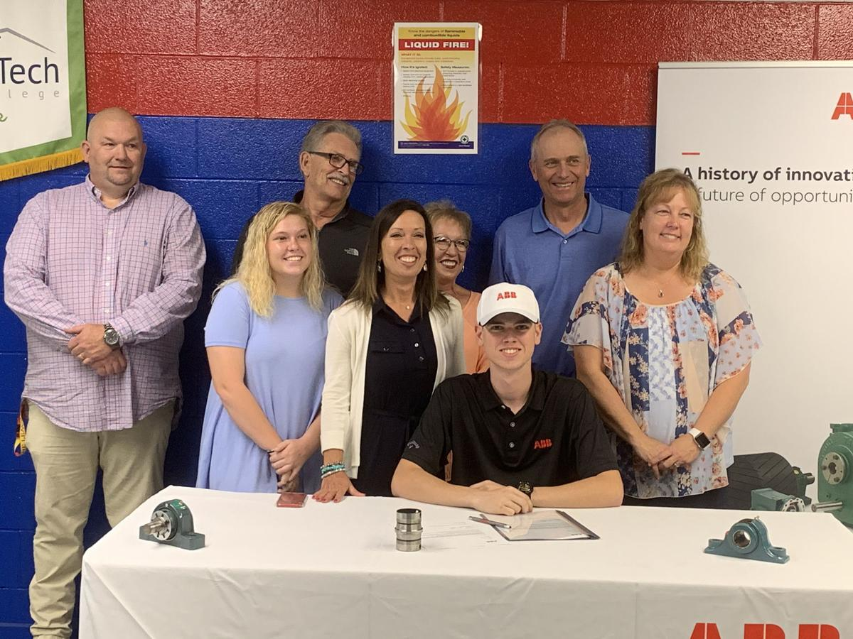 Ready to work: Two seniors sign letters of intent with ABB