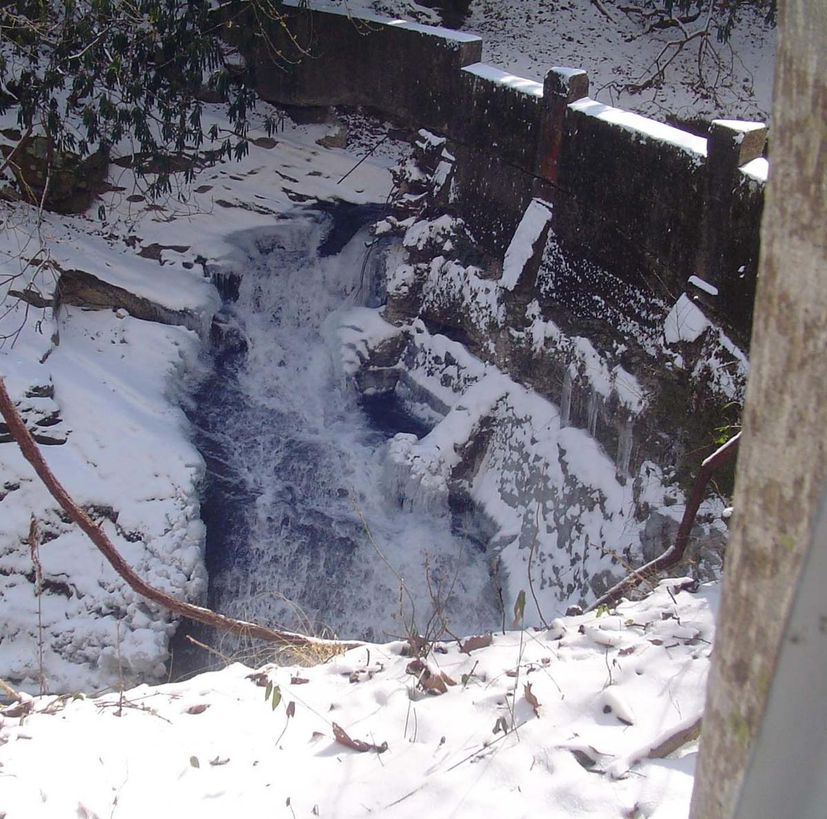WNC Afield: Catawba Falls covered with snow is a winter wonderland