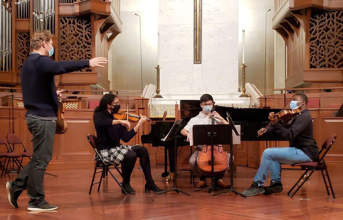 042821_MNS_concert_series_001 David Coucheron with student musicians