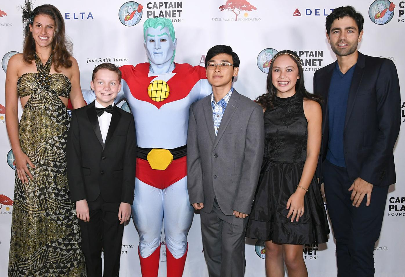 Captain Planet 1 Adrian Grenier with young honorees and Captain Planet