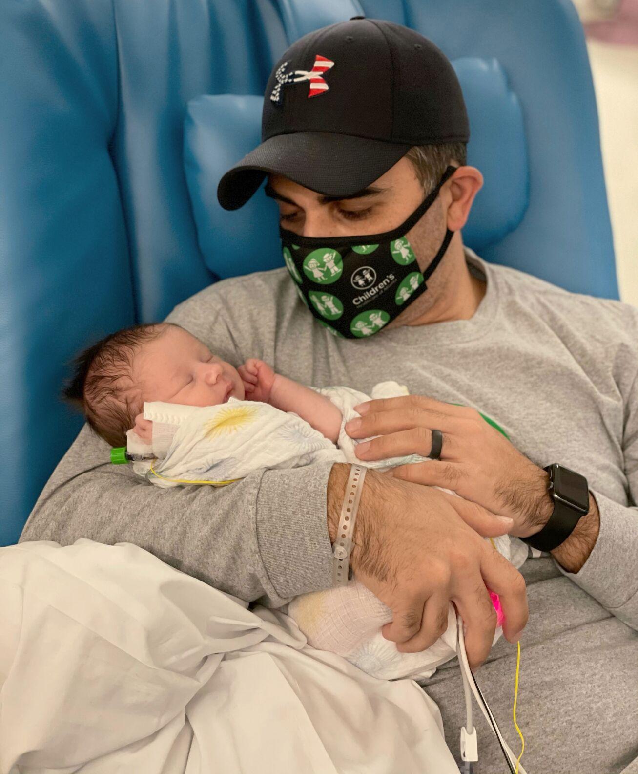 063021_MNS_baby_Caroline_002 Jeff Lakdawala with daughter
