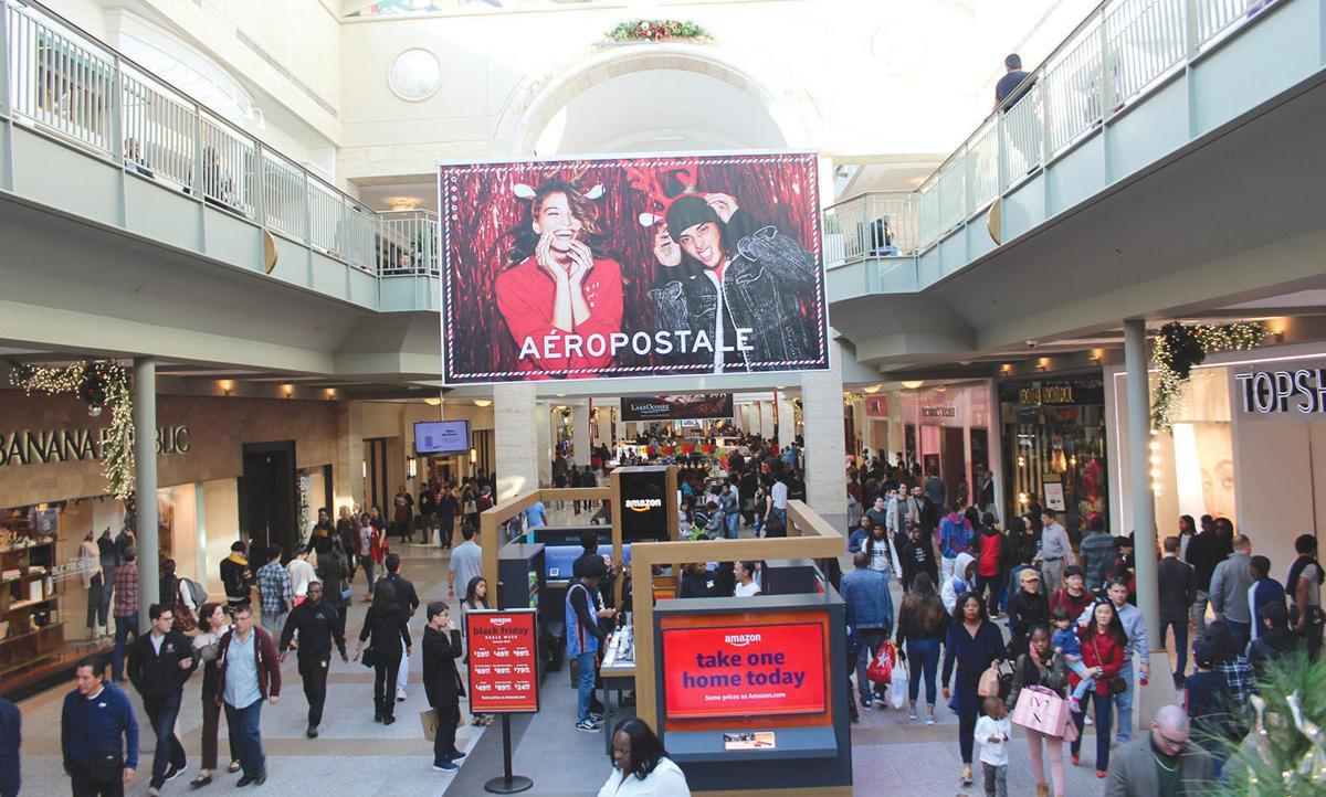 NS 12.6 Black Friday Lenox shoppers