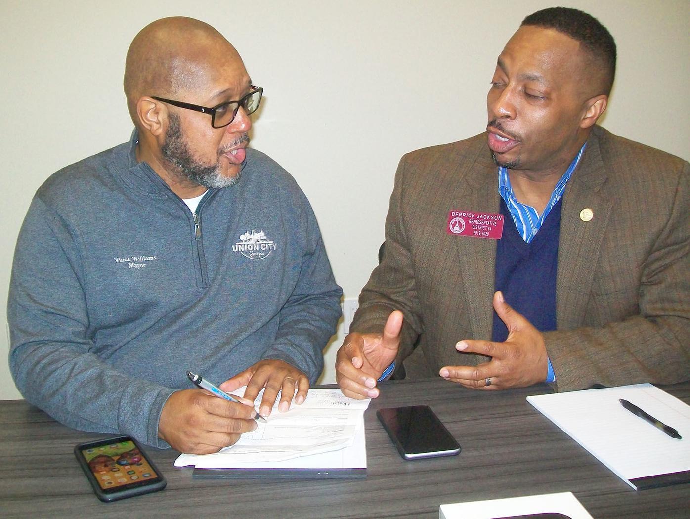 013019_SFN_UC_community_center_002 Vince Williams Derrick Jackson