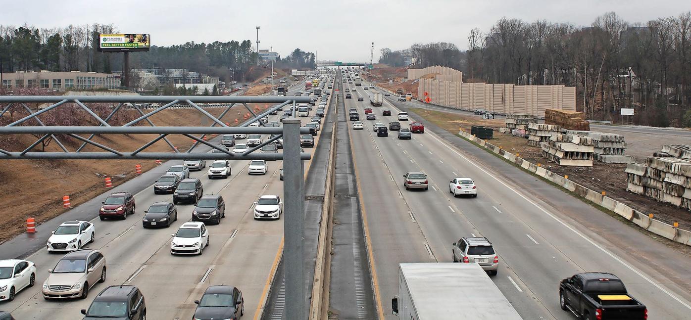 030619_MNS_GDOT_houses_001 400 traffic at Hammond Drive