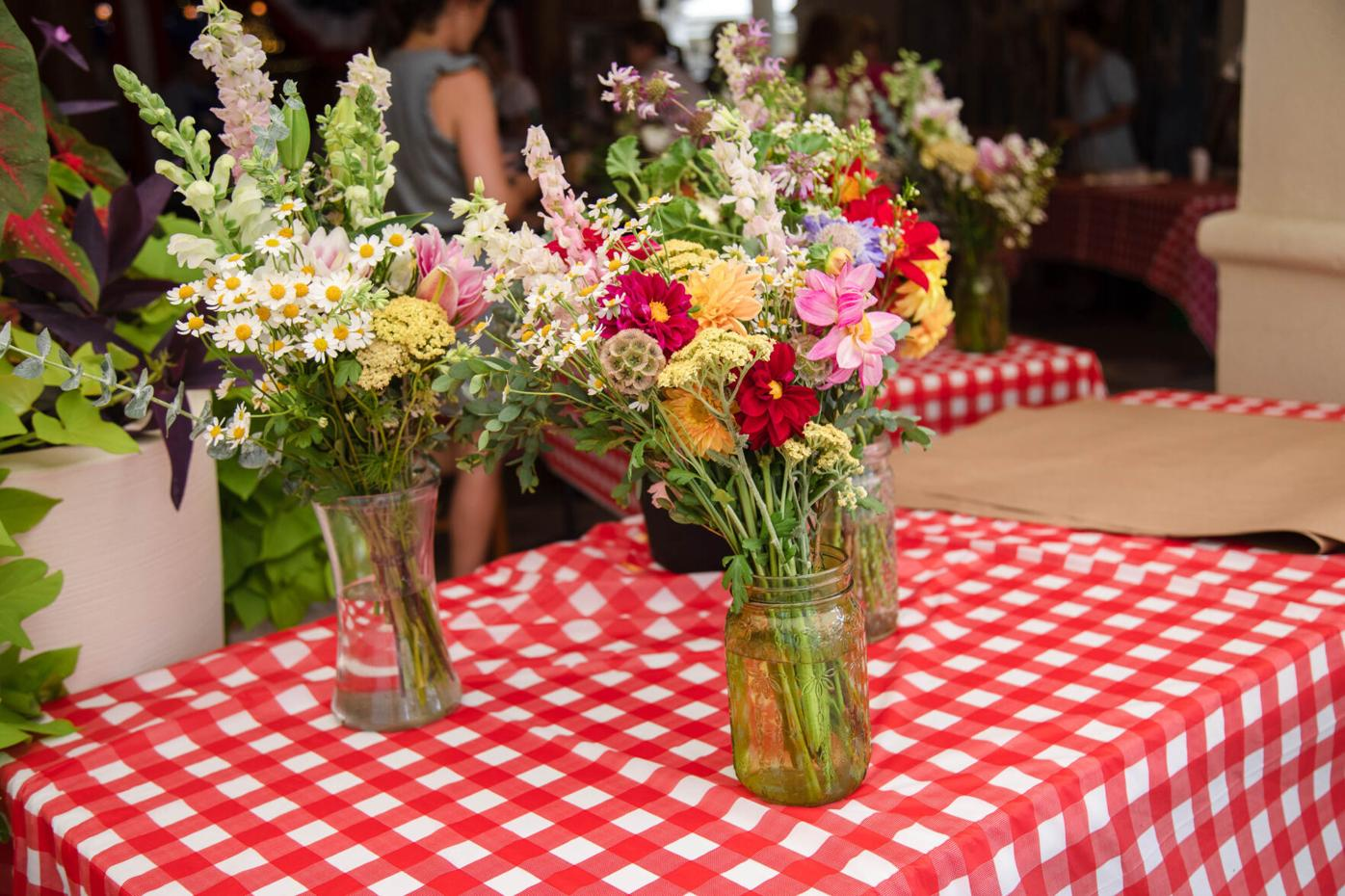 Lucy's Market - flowers