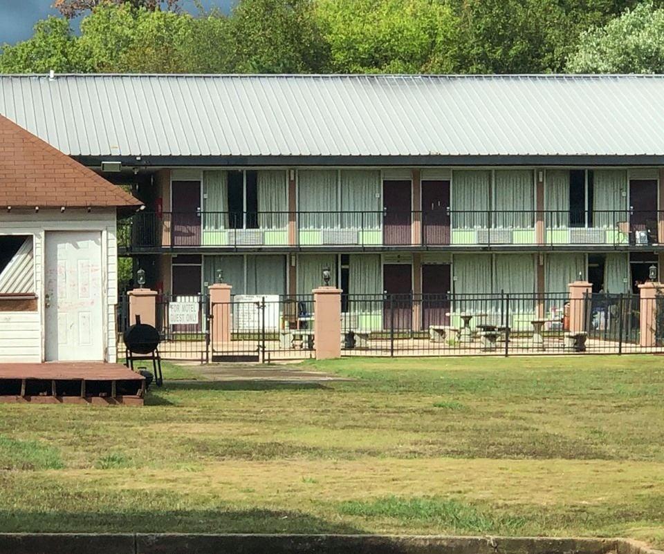 103019_BNN_Motel_Eviction2