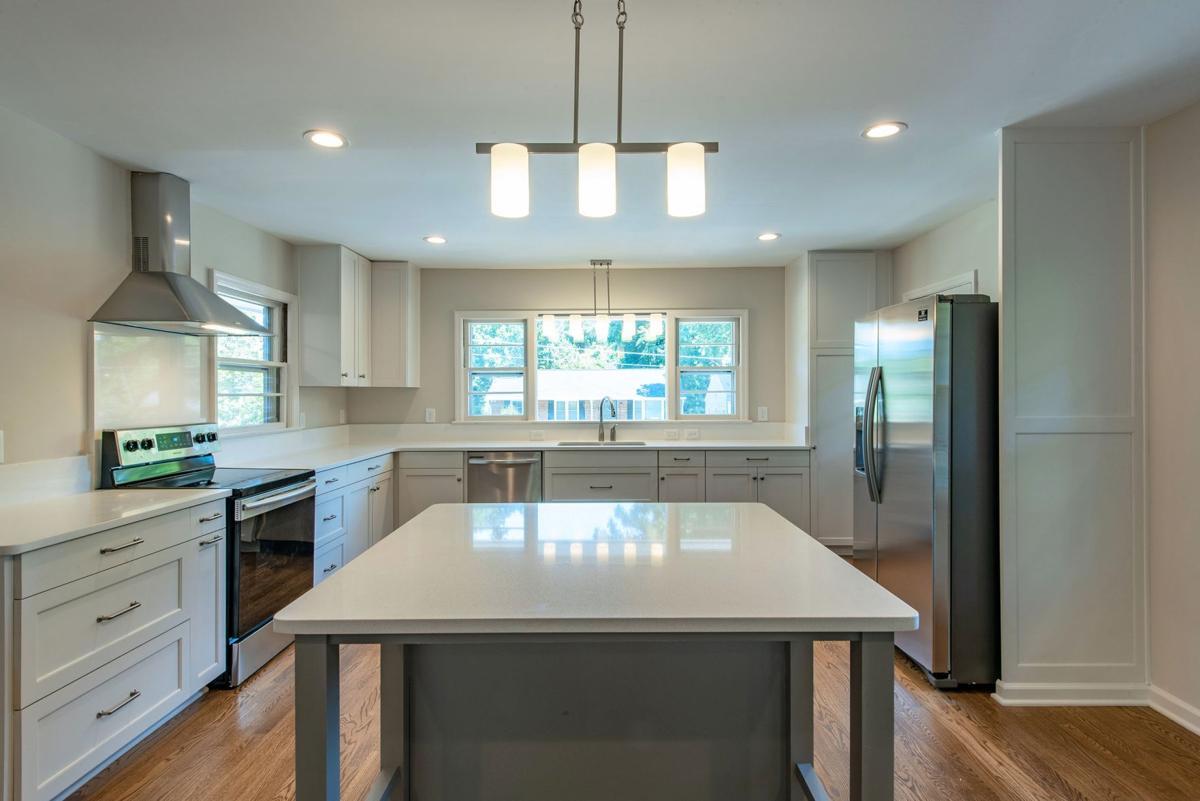 030420_MNS_home_rehab_002 1138 Harwell St. kitchen
