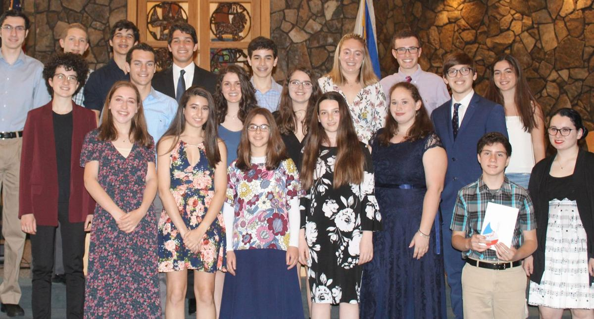 071019_MNS_Chesed_Awards_001 group of student award winners
