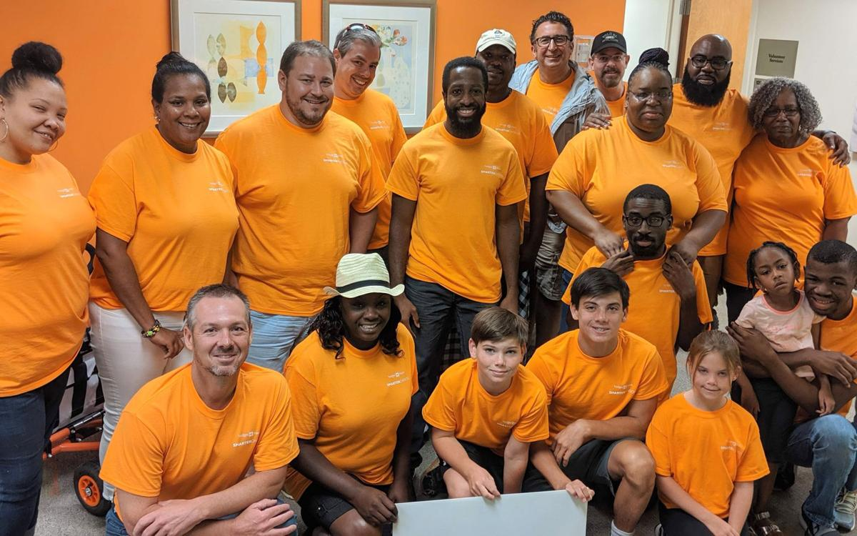 101619_MNS_full_Summer_Service_002 group at Meals On Wheels