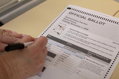 092719_MDJ_Voting6.jpg