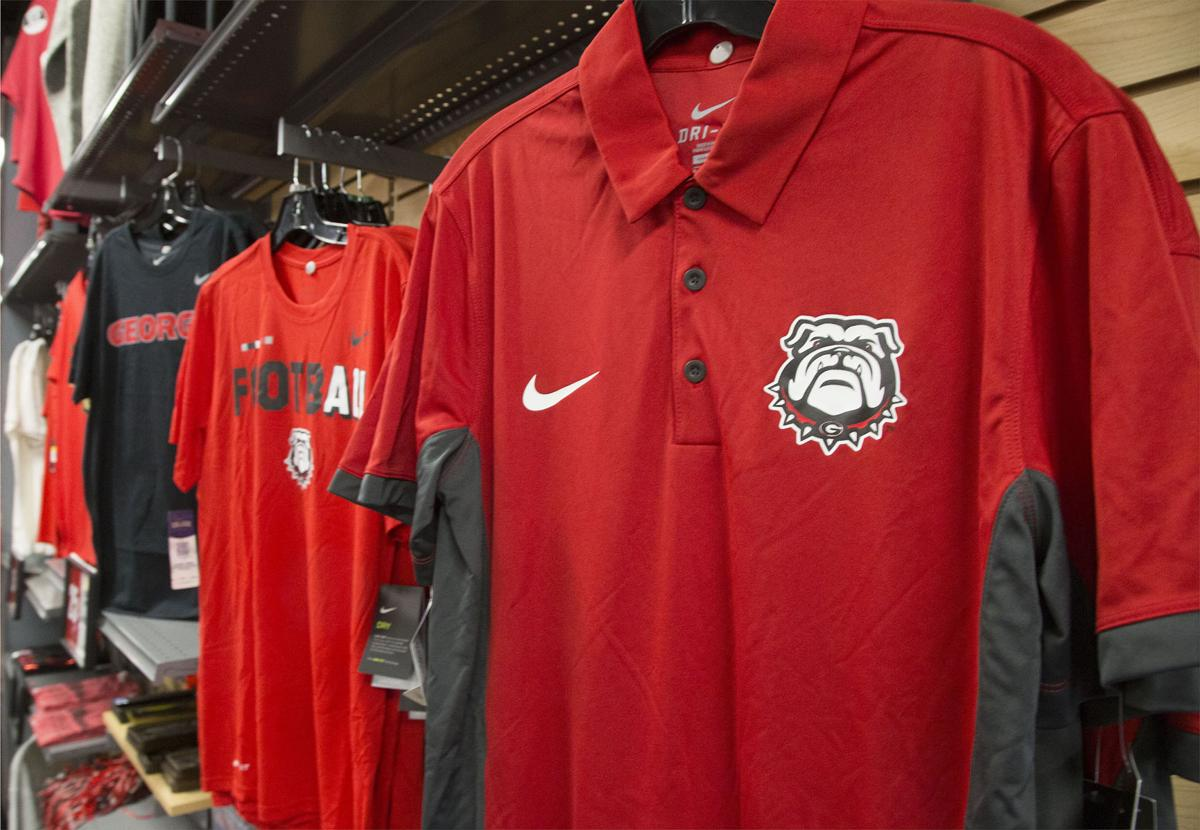 Bulldog Fans Buying Up Plane Tickets And Merchandise Ahead Of Rose