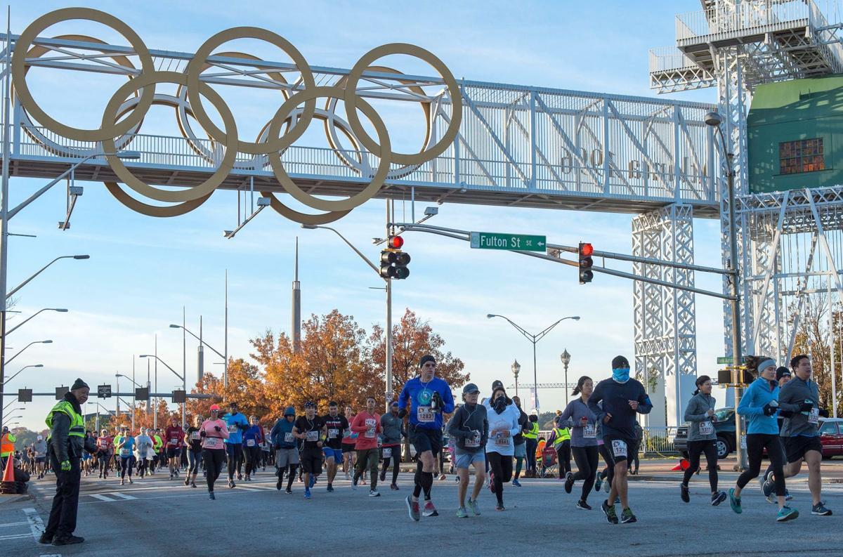 112719_MNS_Half_Marathon_001 runners at half marathon